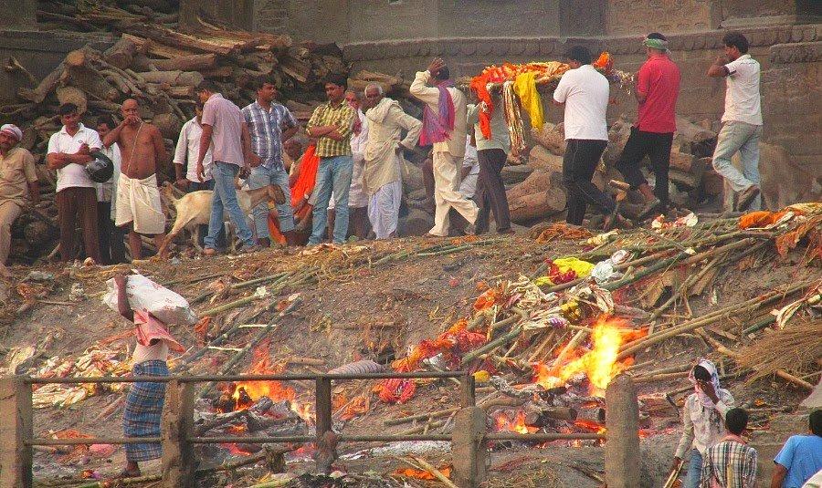 Manikarnika-burning-ghat