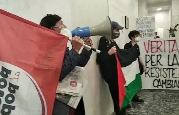 Roma. Blitz all'Ordine dei giornalisti: VERITÀ E SOLIDARIETÀ PER LA PALESTINA CHE RESISTE!
