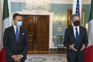 Blinken a Roma: lotta all'Isis di facciata, nel mirino c'è l'Iran