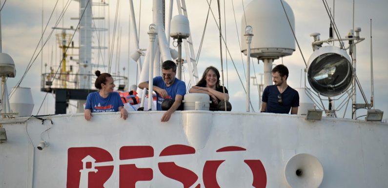 La nave ResQ People si aggiunge alla flotta civile per salvare vite umane nel Mediterraneo