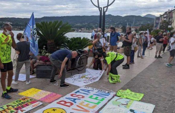 Le proteste contro il commissariamento del nuovo depuratore per il Garda