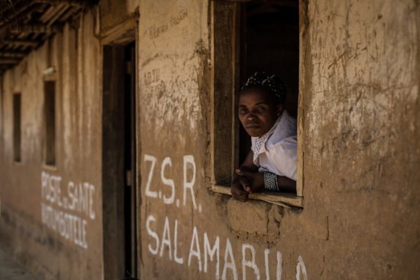 Donna nel centro MSF di Salamabia